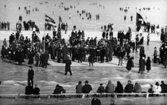 Die Bodensee-Gfrörni vor 50 Jahren hatte Volksfestcharakter. (Bild: Keystone)