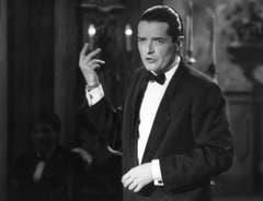 Der österreichische Popstar Falco stellt seinen Titel 'Vienna calling' in der TV-Show 'Die Verflixte 7' in der Augsburger Sporthalle vor (Aufnahme vom 12. Oktober 1985). (Bild: Keystone)