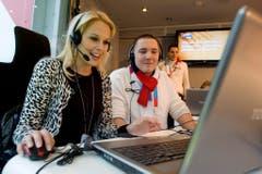 """Im Dezember 2009 nahm Linda Fäh Spendenanrufe für die Aktion """"Jeder Rappen zählt"""" entgegen. (Bild: Keystone)"""