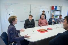 """Schliesslich besuchte Sommaruga die Redaktion der """"Appenzeller Zeitung"""". (Bild: Ralph Ribi)"""