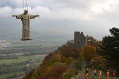 Es war der bereits zweite Versuch, die Statue zu transportieren. (Bild: Keystone)