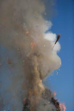 Erst nach 35 Minuten und 11 Sekunden explodiert der Böögg. (Bild: Urs Jaudas)