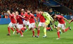 Ein weiterer Underdog, der für Furore sorgte, war Wales: Mit den Briten hatte sich ein Aussenseiter für die Halbfinals qualifiziert. (Bild: Keystone)