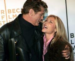 Da waren sie noch glücklich: David Hasselhoff mit seiner Ehefrau Pamela Bach bei einer Filmpremiere im Jahr 2005. (Bild: Keystone)