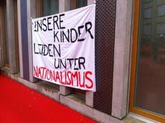Ein Transparent der Linken. (Bild: Martin Rechsteiner)