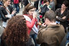 Freudentränen bei der frisch gekürten Apfelkönigin. (Bild: Benjamin Manser)