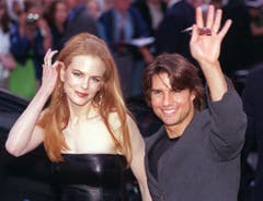 """Tom Cruise und Nicole Kidman erscheinen zur Premiere von """"Eyes Wide Shut"""" in Hamburg, am 4. September 1999. (Bild: Keystone)"""