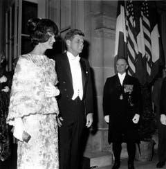 First Lady Jacqueline Kennedy und Präsident John Fitzgerald Kennedy am 31. Mai 1961 in Paris. (Bild: Keystone)