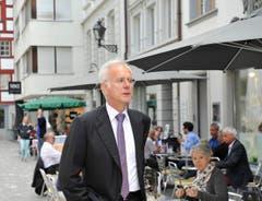 Harald Schmidt besichtigte vor der Abdankungsfeier alleine die Altstadt. (Bild: HANSPETER SCHIESS)