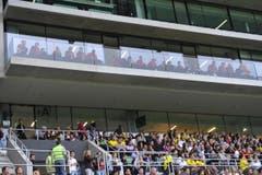 Die Stuttgarter Mannschaft schaut zu. (Bild: Ralph Ribi)