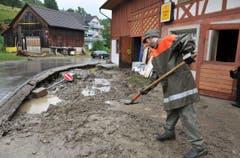 Schlamm und Dreck bei der Lomäg Bar in Kradolf. (Bild: Nana do Carmo)