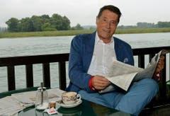 Ein Portrait von Udo Jürgens in Gottlieben. Bei einem Spaziergang in dieser Thurgauer Gemeinde brach der Entertainer am Sonntag zusammen und verstarb in der Folge. (Bild: Keystone)