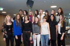 Diese 15 Kandidatinnen haben es in die zweite Runde geschafft: In der oberen Reihe stehen (v.l.n.r.) Deijanira, Laura, Daijana, Laura, Larissa, Myriam, Alina und Daira. In der Unteren: Natasha, Almedina, Alessandra, Sabrina, Larissa, Loredana und Myriam. (Bild: Ralph Ribi)