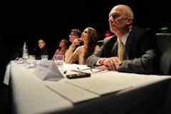 Die Jury beäugt die Kandidatinnen. (Bild: Reto Martin)