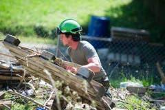 Aufräumarbeiten in Herisau (Bild: Michel Canonica)