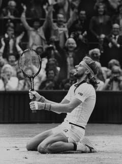 Was Hockeyspieler wissen, weiss Björn Borg schon lange: Der Schwede holte dank seines Glückspbartes fünfmal den Sieg am Grand-Slam-Turnier von Wimbledon. (Bild: Keystone)
