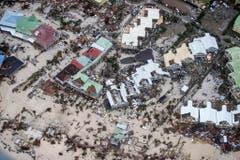 Alles zerstört: Ort auf der Insel St.Marteen. (Bild: GERBEN VAN ES (AP Dutch Defense Ministry))