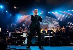 """Der 77-jährige deutsche Bandleader James Last auf der Bühne, bei seinem fast ausverkauften Konzert """"The Last Tour 2006"""" im Hallenstadion in Zürich, am 4. November 2006. (Bild: Keystone)"""