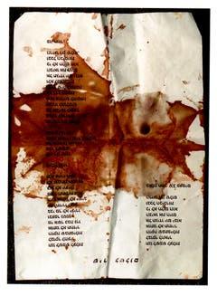 """Dieses Blatt Papier befand sich in der Jackentasche Rabins, als dieser ermordet wurde. Die Überschrift sagt """"Lied des Friedens"""". (Bild: Keystone)"""