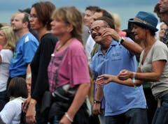 ...und das Publikum tanzt begeistert mit. (Bild: Reto Martin)