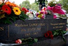 Das Grab von Edith Piaf auf dem Friedhof Père Lachaise in Paris. (Bild: Keystone)