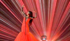Lady in Red: Aminata sang für Lettland. (Bild: Keystone)