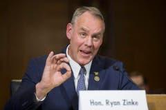 Ryan Zinke (55): Innenminister. Der stramme Republikaner sitzt seit 2015 für den Bundesstaat Montana im US-Repräsentantenhaus, wo er sich für die Lockerung von Umweltauflagen stark gemacht hat. Das Innenressort hat in den USA nichts mit Innerer Sicherheit zu tun, sondern hat die Kontrolle über einen Fünftel der öffentlichen Flächen, darunter auch Nationalparks wie Yellowstone und Yosemite. (Bild: Keystone)