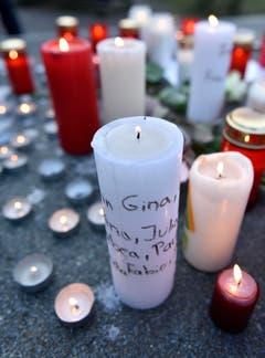 Trauer um Opfer des Absturzes beim Joseph-König-Gymnasium im deutschen Haltern. (Bild: Keystone)