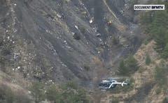 Die Germanwings-Maschine stürzte in unwegsamem Gelände ab. (Bild: Keystone)