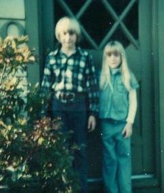 Das Glück war selten auf ihrer Seite: Kurt Cobain und seine Schwester Kim wurden nach der Scheidung ihrer Eltern herumgereicht. (Bild: Keystone)