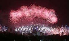 Feuerzauber am Himmel von Sydney. (Bild: Keystone)
