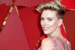 Auch Scarlett Johansson liess sich die Show nicht entgehen. (Bild: Paul Buck/Keystone)