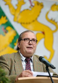 Thomas Götz alias Kantonsrat Arnold Schnider moderierte den Empfang für Sonja Wiesmann zur Wahl als Thurgauer Grossratspräsidentin in Wigoltingen. (Bild: Reto Martin)