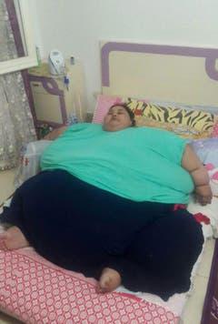 Das enorme Körpergewicht der Frau hat ihr schon zahlreiche gesundheitliche Probleme eingetragen. (Bild: Keystone)