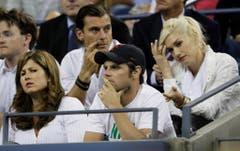 US Open 2009: Gavin Rossdale und Gwen Stefani sitzen in der Box hinter Roger Federers Ehefrau Mirka. (Bild: Keystone)