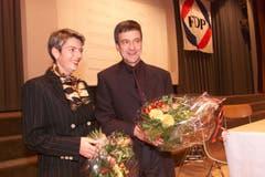Das waren noch Zeiten: Karin Keller-Sutter und Willi Haag nach der Nomination als FDP-Regierungsratskandidaten im November 1999. (Bild: Ralph Ribi)