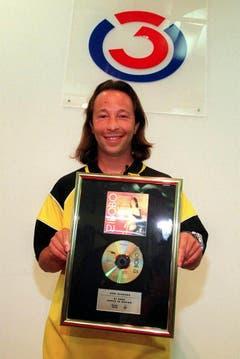 Gold- und Platinauszeichnungen gehören für DJ Bobo seit den Anfängen seiner Karriere ganz einfach dazu. (Bild: Keystone)