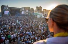 Blick über das Festivalgelände während des Konzerts von Cypress Hill. (Bild: Reto Martin)