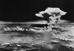 So sah die Rauchwolke über Hiroshima rund eine Stunde nach dem Abwurf aus. (Bild: Keystone)