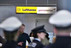 Der Schalter von Lufthansa und Germanwings am Flughafen von Düsseldorf. (Bild: Keystone)