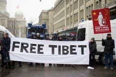 Mit ihrer Kundgebung wollte die Gemeinschaft der Exil-Tibeter auf das Schicksal Landsleute aufmerksam machen. (Bild: Keystone)