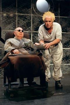 """Im Stück """"Endspiel"""" traten Jörg Schneider und Walter Andreas Müller 2002 gemeinsam auf. (Bild: Keystone)"""