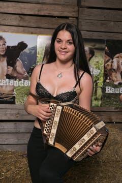 Fabienne aus dem Aargau mit ihrem Intstument (Bild: pd)