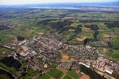 Weinfelden von oben, im Zentrum der Bahnhof. (Bild: Max Iseli (2009))
