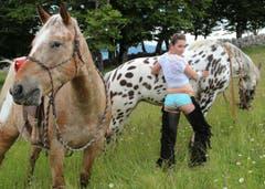 Corinne Bauer aus Travers, Neuenburg als Cowgirl. (Bild: pd)