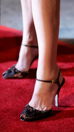 Schnappschuss vom Besuch Cindy Crawfords bei einer Filmpremiere im Dezember 2006 in Los Angeles. (Bild: Keystone)