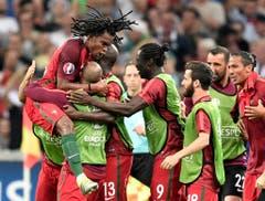 Renato Sanches (links) schiesst sein erstes Goal an der EM und verhilft Portugal zum Ausgleich. (Bild: Keystone)