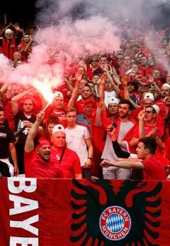 Albanische Fussballfans. (Bild: Keystone)