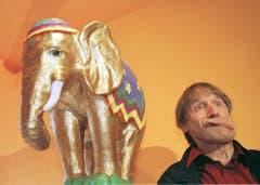 Blödeln als Lebenselixier: Dimitri schneidet in seinem neu eröffneten Museo Comico in Verscio eine Grimasse (2000). (Bild: ALESSANDRO DELLA VALLE (KEYSTONE))