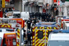 Police operations after Paris attacks (Bild: Keystone)